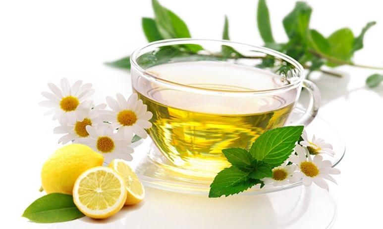 Te de manzanilla con limon para bajar de peso